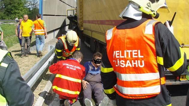 Nehoda dvou nákladních automobilů na Jablunkovsku