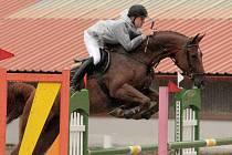Vítěz kategorie šestiletých koní Jan Zwinger s Lordanou 1 (JK Mustang Lučina).