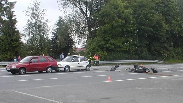 Nedělní dopravní nehoda poblíž obce Kunčičky u Bašky.