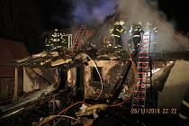 Požár rodinného domu ve Starých Hamrech.