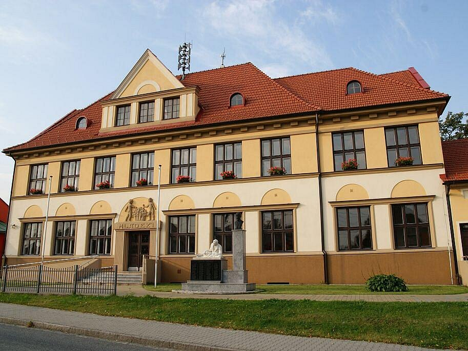 Budova školy.