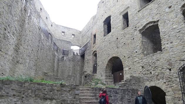 Závěr sezony patří na hukvaldském hradě Svatováclavským dnům.