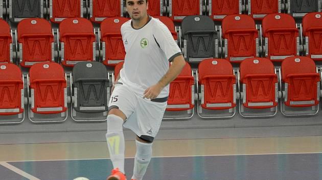 Třinecký obránce Miroslav Samek se na domácí výhře svého celku podílel dvěma góly.