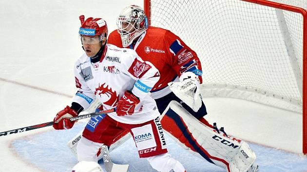 Jiří Polanský (v bílém) dal svůj 209. třinecký gól.