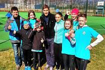 Dětem předvedeným výkonům pogratuloval olympijský vítěz David Svoboda (na snímku uprostřed).