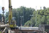 Železniční stanice ve Frýdlantě nad Ostravicí se mění k nepoznání. Dělníci na stavbě intenzivně pracují už řadu měsíců.