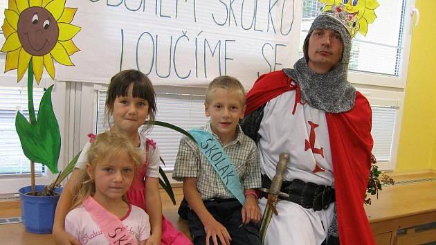 Mateřská škola Naděje pasovala na školáky.