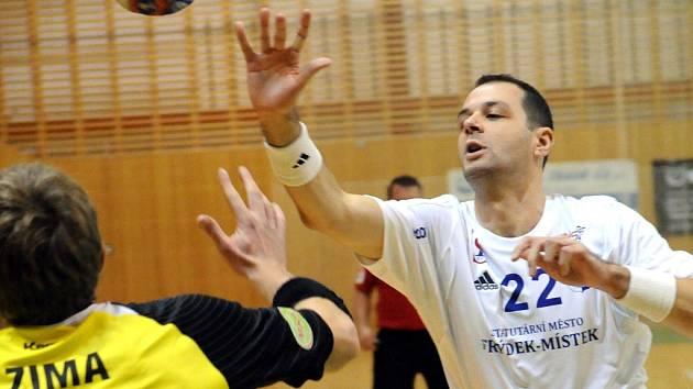 Házenkáři Frýdku-Místku v domácím prostředí porazili Brno 25:23.