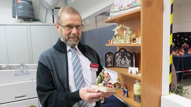 Majitel tiskárny Josef Kleinwächter. Podle něj se lidé mohou příští rok těšit na překvapení – výstavu betlémů totiž čeká jubilejní patnáctý ročník.