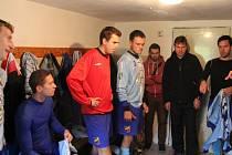 Tentokráte jsme se byli podívat na momenty těsně před zápasem I. B třídy, skupiny C, mezi domácí Dobrou a hosty z Petrovic.