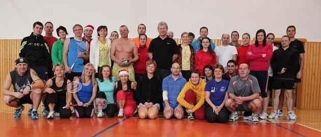 Účastníci badmintonového turnaj vPalkovicích
