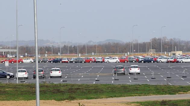 Ilustrační foto. Nové vozy Hyundai I-30 vyrobené v zavodě Hyundai Nošovice.