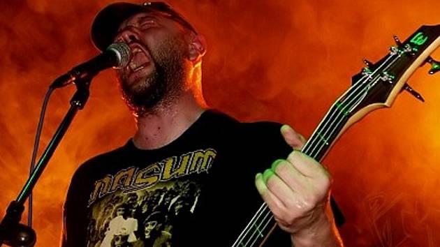 V rámci metalového festivalu se představí také skupina Ingrowing.