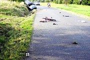 Osudná jízda. V těchto místech v Hrádku před časem zachytil a usmrtil motocykl šestnáctiletou dívku. Na silnou motorku neměl řidič oprávnění.  Ilustrační foto.