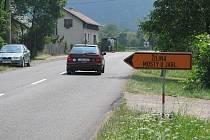 Kvůli stavbě ve Vendryni většina motoristů jezdí přes Oldřichovice a Karpentnou.