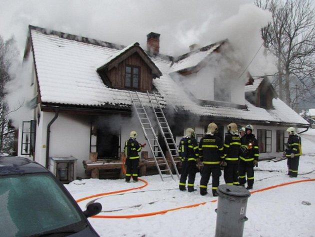 Středeční tragický požár v Třinci – Gutech.