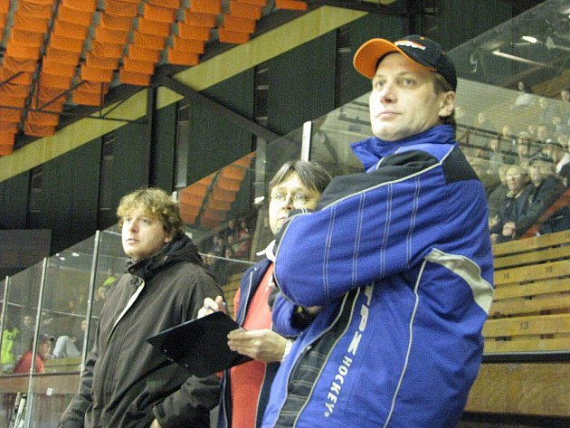 Trenér HC Frýdek-Místek Michal Piskoř (vpravo).