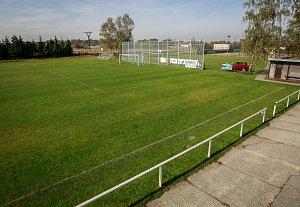 Fotbalový pažit v Řepištích je na sobotní televizní utkání připraven.