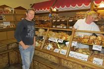 Jaroslav Kmošťák musel podle svých slov po otevření Frýdy uzavřít dvě pobočky pekárny.