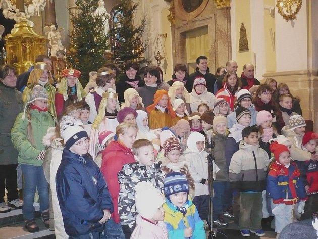 Vánoční hra v basilice Navštívení panny Marie.