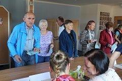 Volby 2018 na Frýdecko-Místecku. Snímky z volebních místností obcí Dolní Lomná, Hrádek a Vendryně