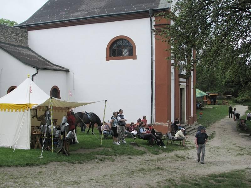 Hrad Hukvaldy o víkendu slavnostně otevřel své brány návštěvníkům.