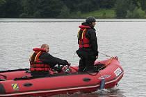 Policisté několik dnů propátrávali vodní hladinu Žermanické přehrady.