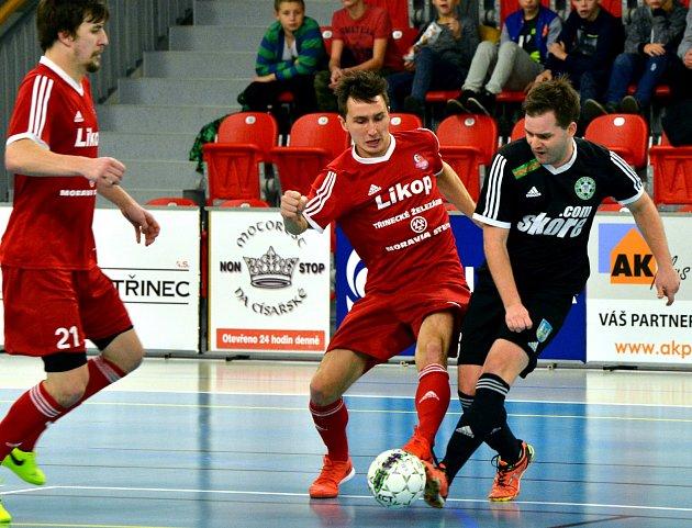 Prvoligoví futsalisté Třince (včerveném) nestačili doma na českolipské Démony.