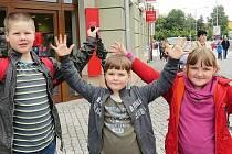 Sourozenci Dýrrovi mají tak velkou radost, že školu neuvidí dva měsíce.