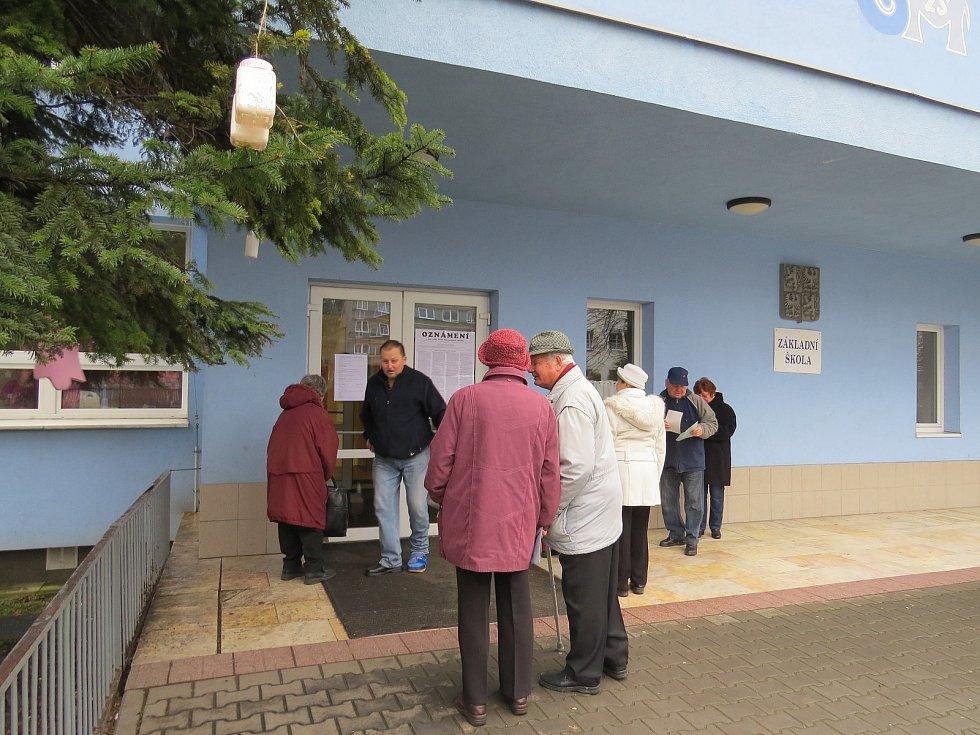Prezidentské volby ve Frýdku-Místku. 6. základní škola, ulice Pionýrů, pátek 12. ledna 2018.