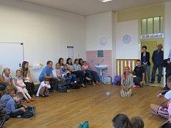 Scione škola sídlící ve Frýdku-Místku si bude moct dovybavit učebny nebo řemeslnou dílnu, podařilo se jí vybrat peníze.