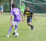 Favorizovaný Frýdlant (žluto-modré dresy) si v generálce poradil s Čeladnou 3:0.
