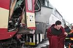 Čelní srážka osobních vlaků v Paskově.