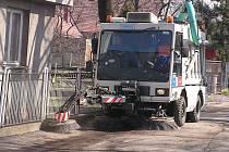 Frýdecko–místecké technické služby už připravují multikáry, sekačky a zametače k velkému jarnímu úklidu, jehož součástí  bude už tradičně i blokové čištění ulic.
