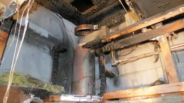 Požárem poškozená sauna