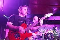 Ve frýdecko-místeckém klubu Stoun koncertovala v sobotu večer valašskomeziříčská kapela Mňága a Žďorp.