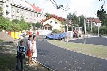 U šesté základní školy na ulici Pionýrů ve Frýdku-Místku finišuje výstavba nového sportovního areálu.