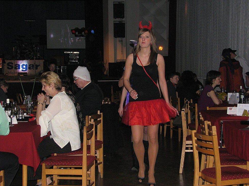 Erotický ples hostil v sobotu Kulturní dům ve Frýdku-Místku.