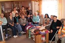 Společné foto pracovníků a uživatelů služeb Betania a Bethel.