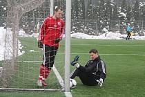 Fotbalisté třetiligového Třince se i v jarních odvetách budou moci opírat o výkony brankáře Martina Lipčáka.