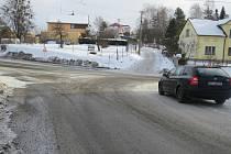 Křižovatka v Metylovicích dělá hlavně v zimním období řidičům problémy.