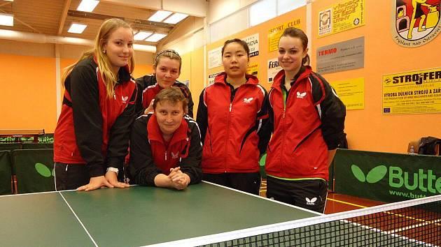 Extraligový tým stolních tenistek SK Frýdlant nad Ostravicí.