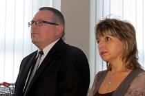 Jan Martyčák a Alena Orlivová u soudu.Muž je podle soudu vinen, žena naopak nevinna.