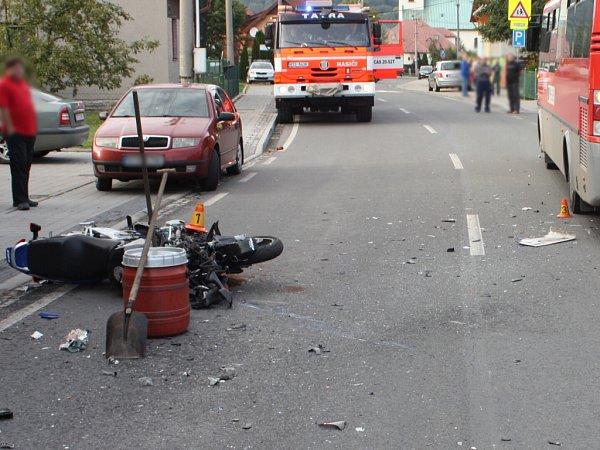 Nehoda motocyklisty vKozlovicích.