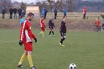 Derby mezi domácími Janovicemi a Frýdlantem přineslo sedm branek. Z výhry se ale nakonec radovali hosté z Frýdlantu (3:4).