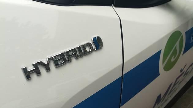 Hybridní automobil Toyota C-HR. Ilustrační snímek.