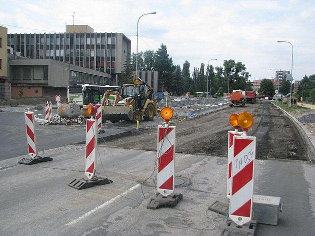 Ulice 8. pěšího pluku v centru Frýdku-Místku prochází revitalizací. Proto zde dochází k dopravním uzavírkám, které se budou postupně podle průběhu stavebních prací posunovat.