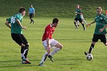 Fotbalisté Starého Města souboj o první příčku tabulky zvládli na jedničku, když v domácím prostředí vyhráli nad Lučinou 2:0.