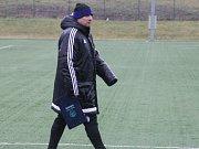 Martin Pulpit na úvodním tréninku s frýdecko-místeckými fotbalisty.