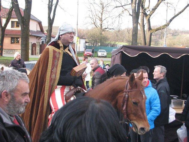 Mezinárodní festival adventních a vánočních zvyků, koled a řemesel se v Kozlovicích tradičně setkal s velkým ohlasem.